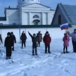 На Зимней дворовой олимпиаде разыграны медали в лыжных гонках, хоккее на снегу и русских городках