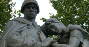 Братская могила советских воинов в деревне Каменка Узловского района