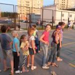 Дворовый спорт в действии: очередь по игре в «классики» в Липецке