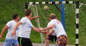 Липецкая дворовая гандбольная лига: тайцы едут на гостевой матч на Мудиловку