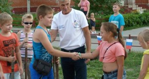 В микрорайоне «Манеж» Липецка прошёл мастер-класс по городкам на специализированной площадке
