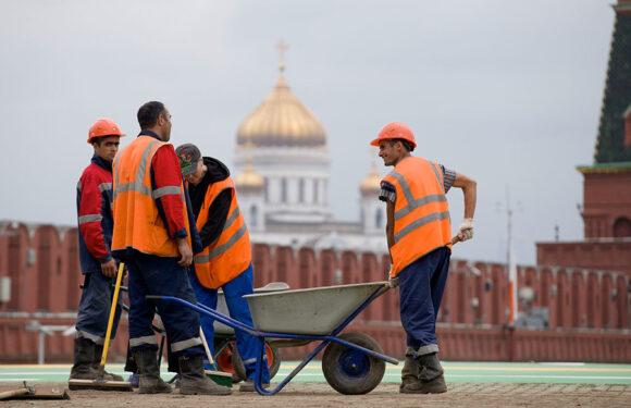 В России безработица такова, что даже мигранты бегут?